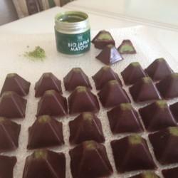 Bomboane-ciocolata-cu-ceai-verde-Matcha.....